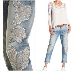 Miss Me boyfriend ankle embroidered jeans size 30